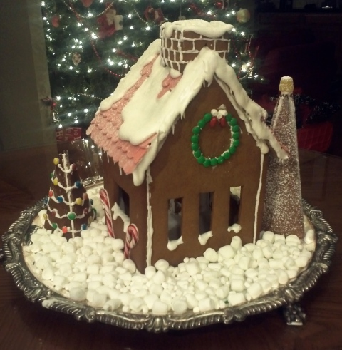 Lulu'sCakeBloomsGingerbreadHouse2